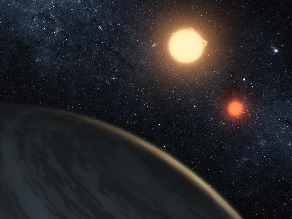 http://aarrietaj.files.wordpress.com/2011/09/587851main_kepler16_planetpov_art-3x4_946-710.jpg